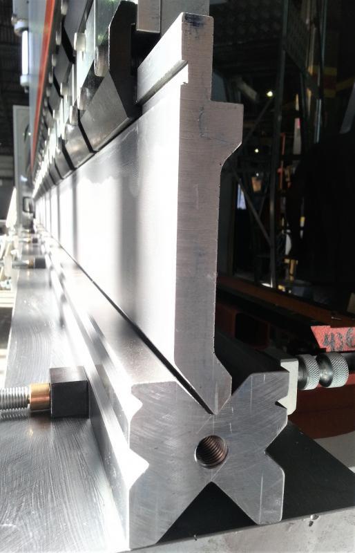 Ferramentas para dobradeira