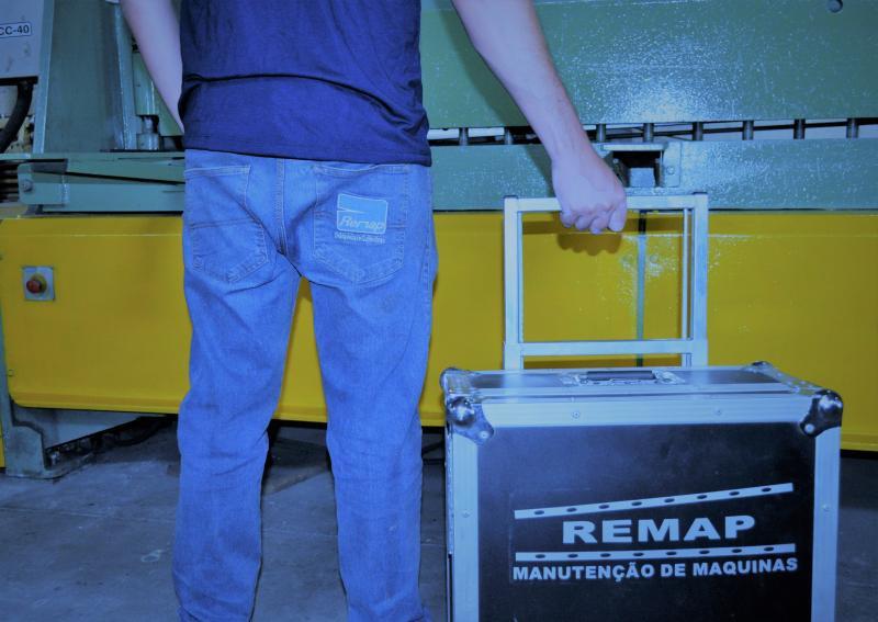 Manutenção de dobradeiras